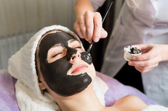 Tratamiento facial antiaging en Barcelona