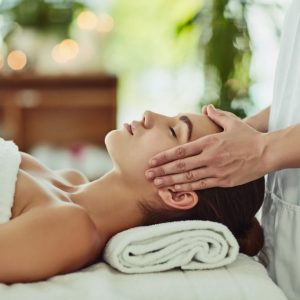 tratamiento corporal con masaje kobido