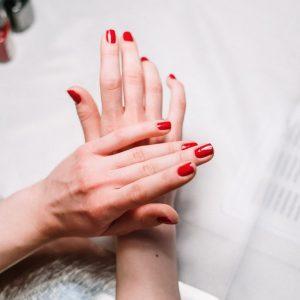 Servicios de manicura y pedicura